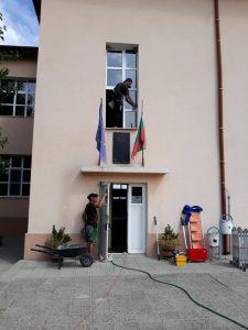 Професионално почистване на прозоорци и дограми